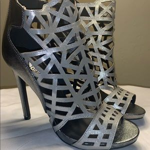 Charlotte Russe caged Heel metallic silver, cutout